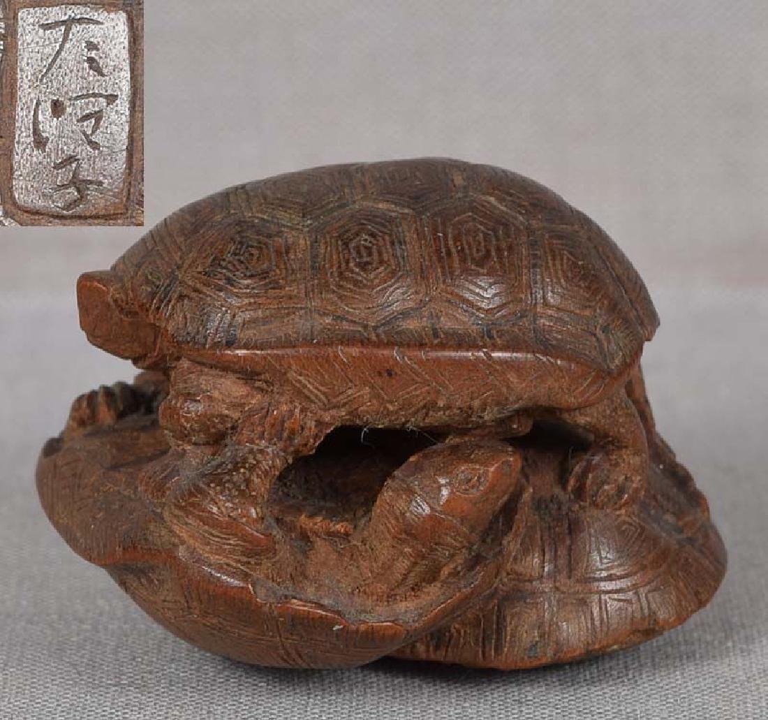 19c netsuke TURTLES by female carver TADAJIKO