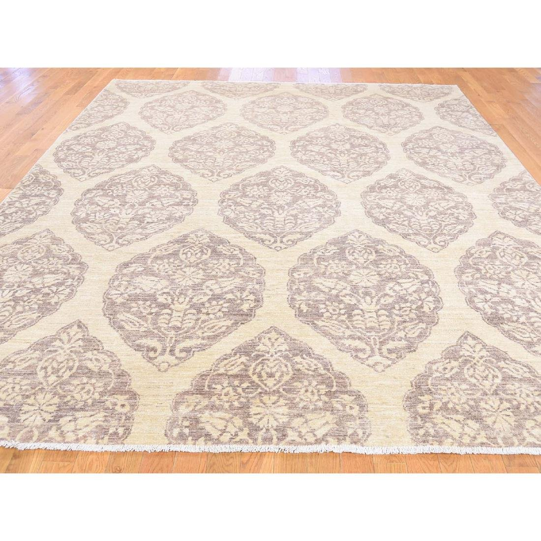 Pure Wool Peshawar with Mughal Design Hand Knotted Rug - 3