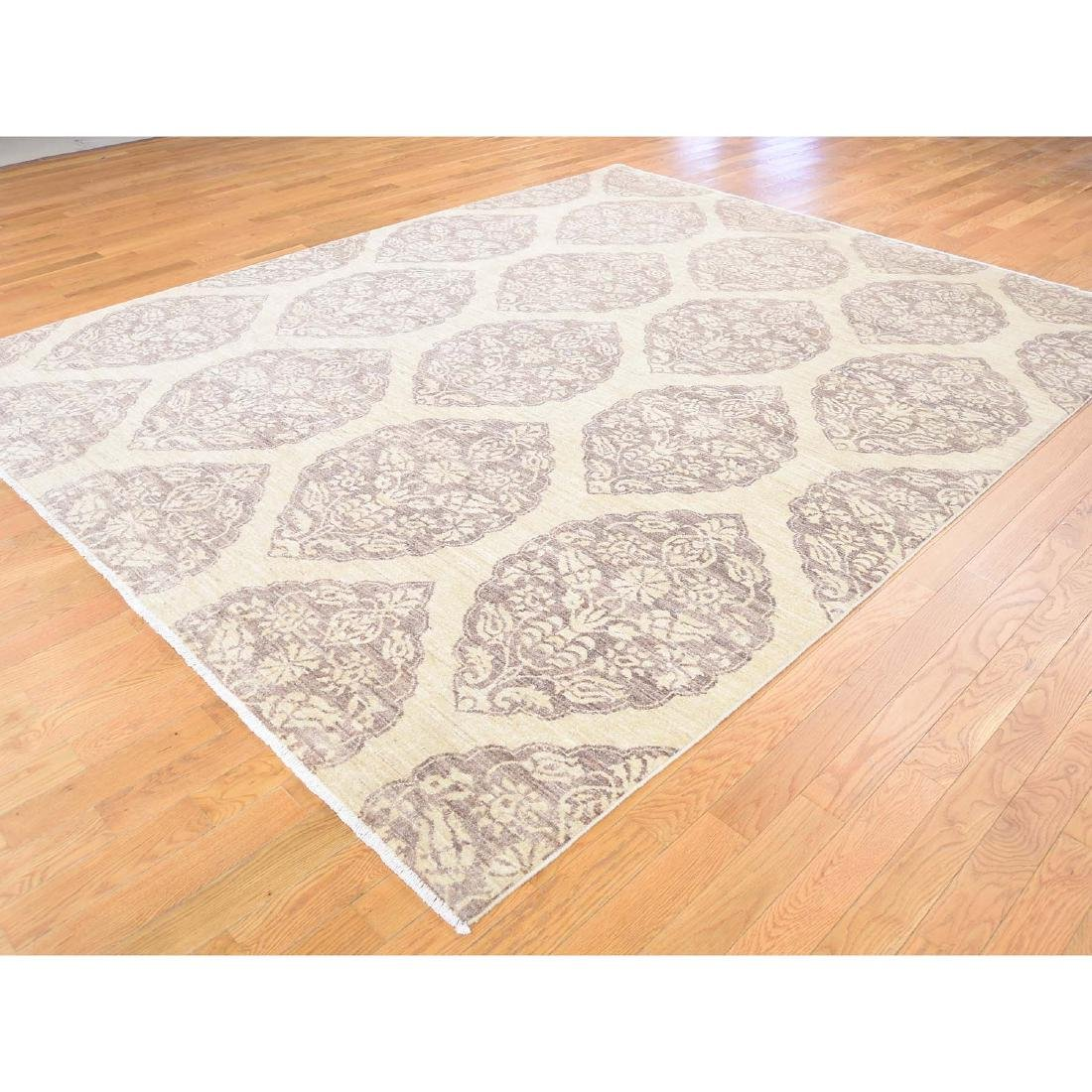 Pure Wool Peshawar with Mughal Design Hand Knotted Rug - 4