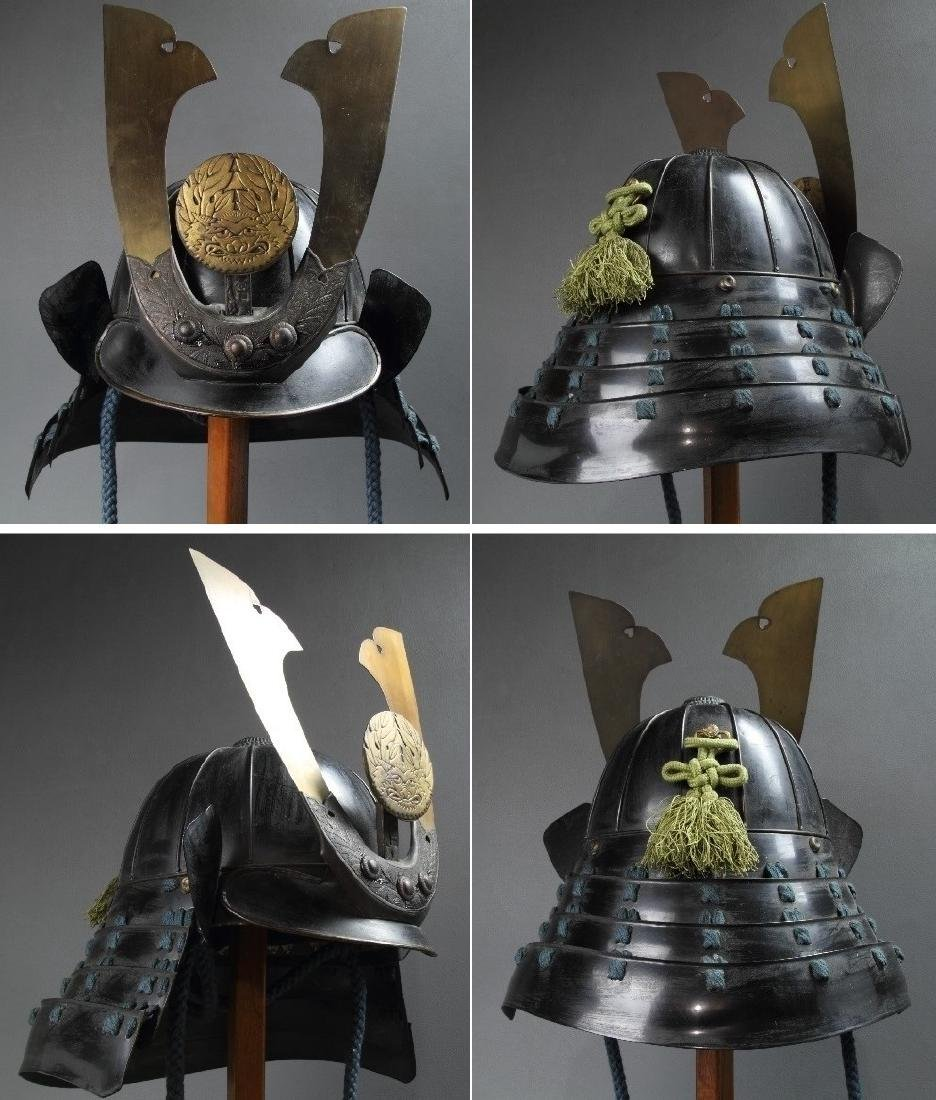 A beautiful Japanese Samurai Armor Equipped with a rare - 2