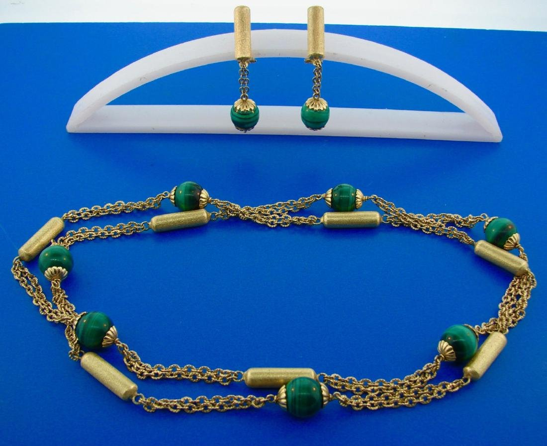 WOW French 1970s 18k Yellow Gold Malachite Bead Chain