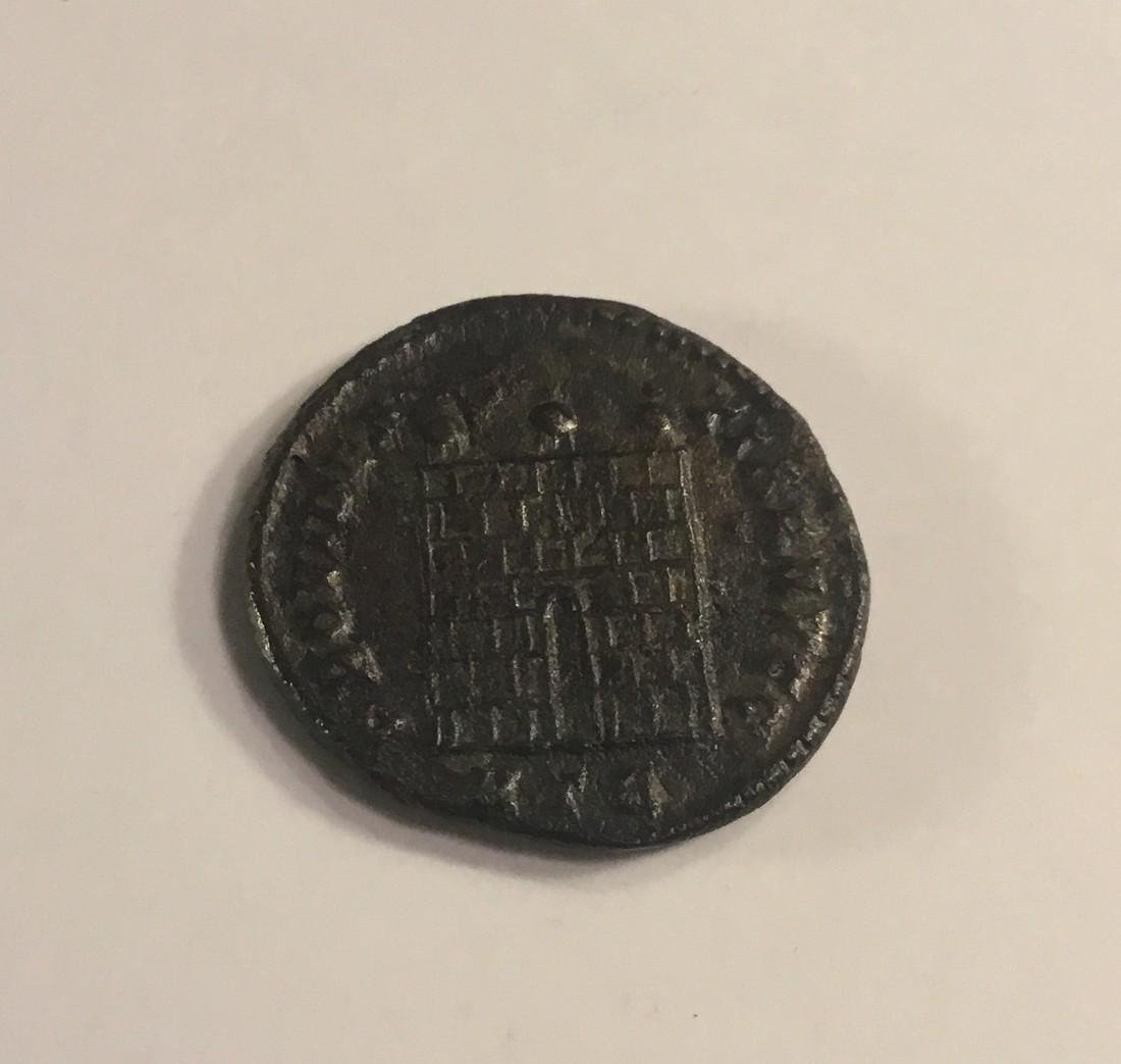 Roman Empire. Licinius ll 317-324 AD. Bronze follis. - 2