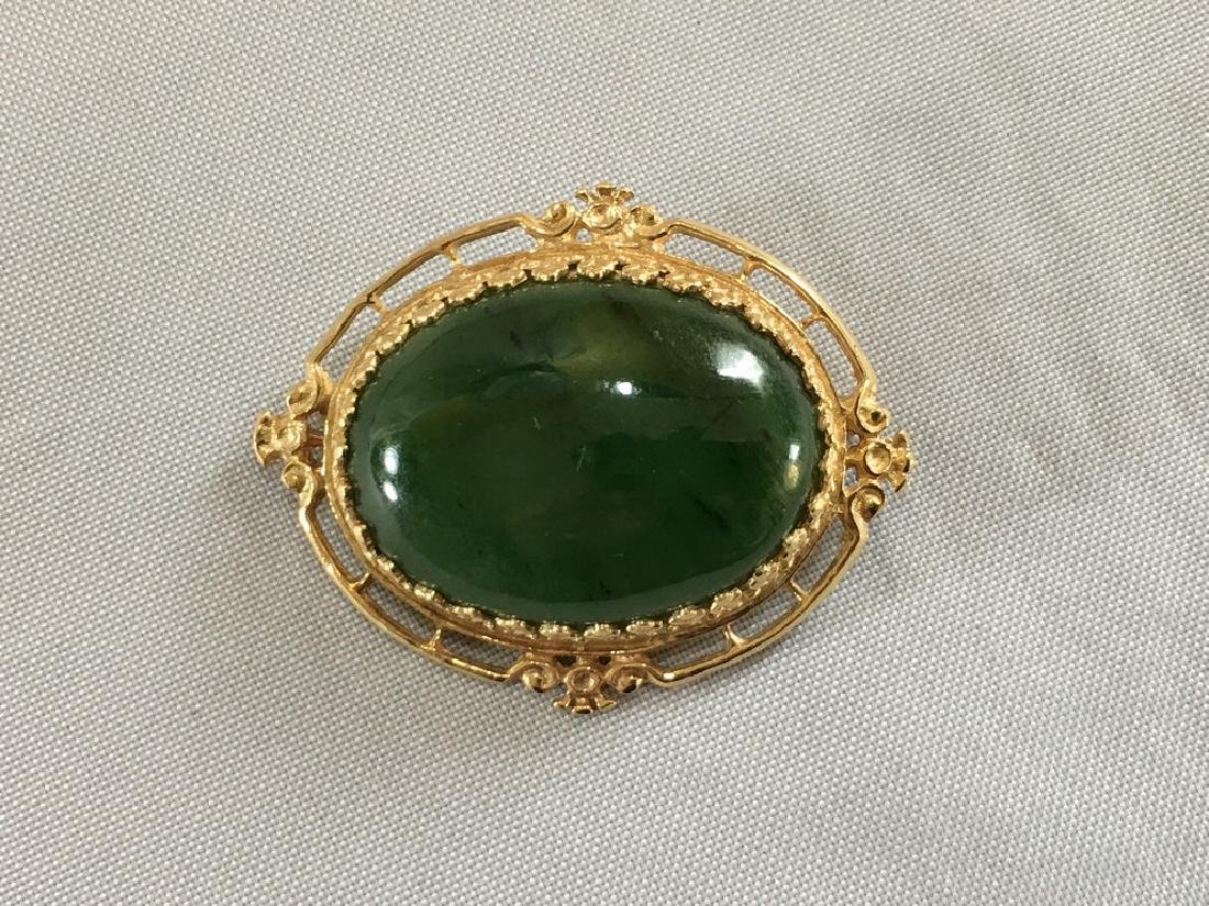 Jade & 14k Gold pin