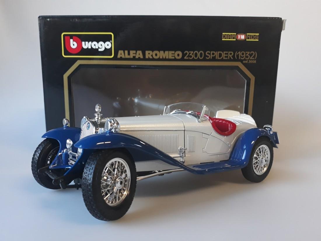 1//18 Pièces détachés Alfa Romeo 2300 Spider Bburago