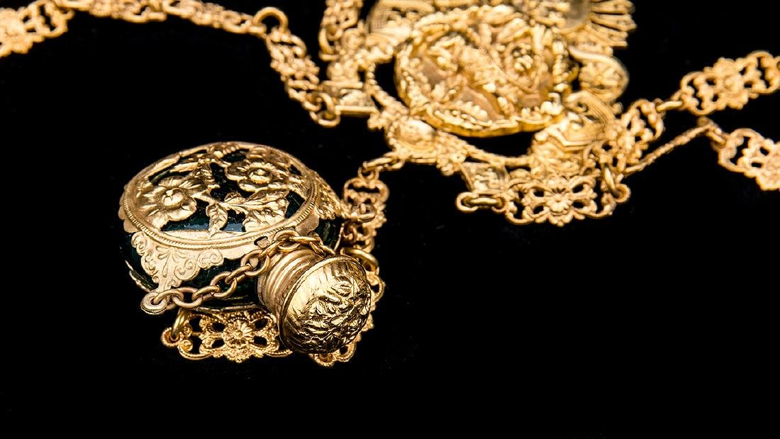 Antique English Gold Gilt Victorian Chatelaine. - 9