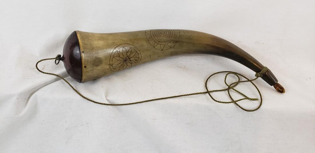 Large Incised Powder Horn. Early 19th Century