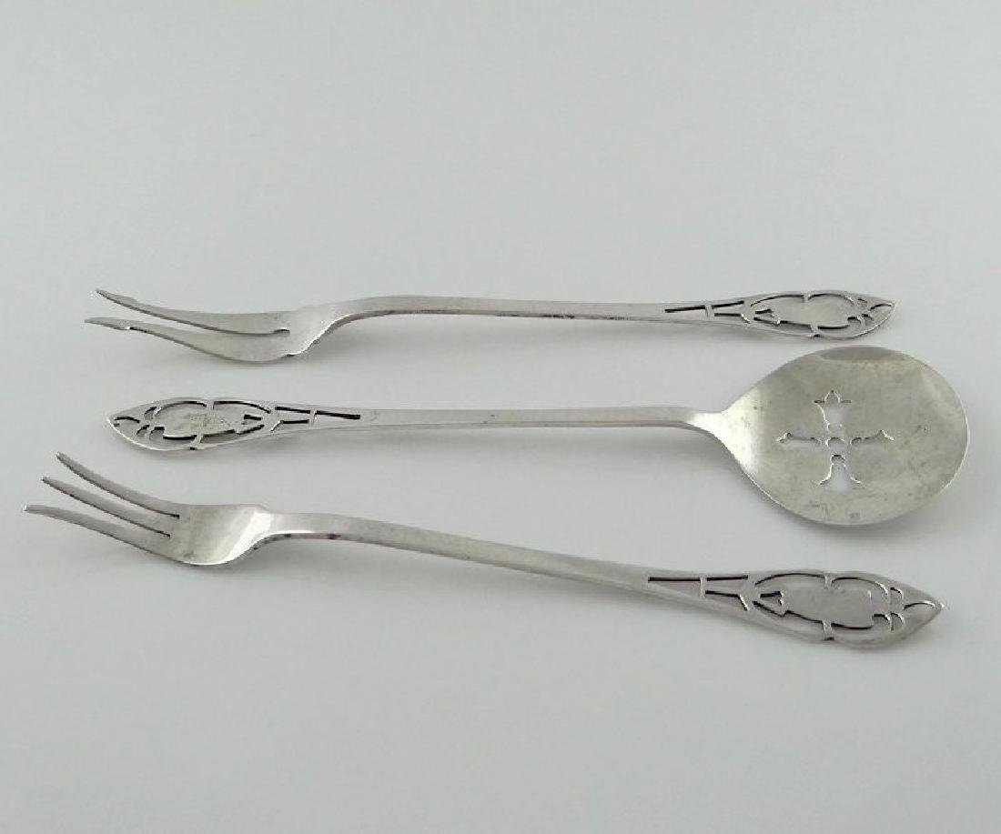 MANCHESTER SILVER CO STERLING PIERCED HANDLE CUCUMBER