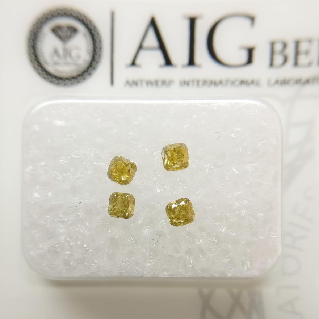 0.36 ct Cushion diamond Fancy Intense Orange SI1-I1,
