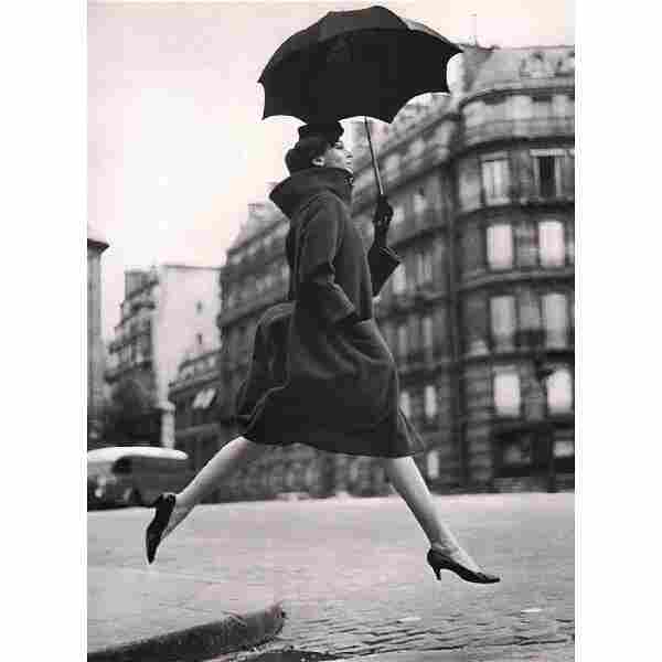 RICHARD AVEDON - Carmen, Homage to Munkacsi, 1957