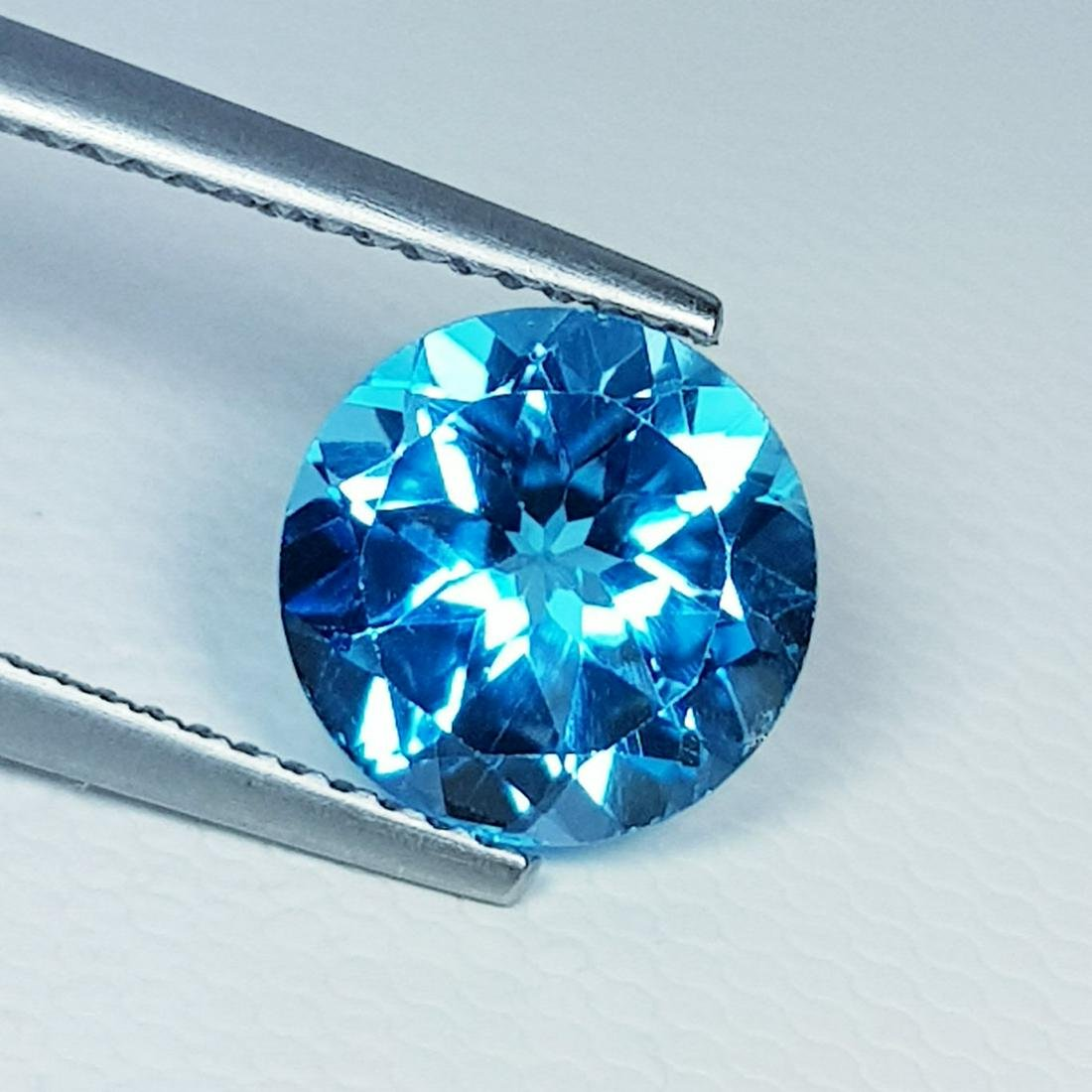 Natural Blue Topaz Round Cut 3.15 ct