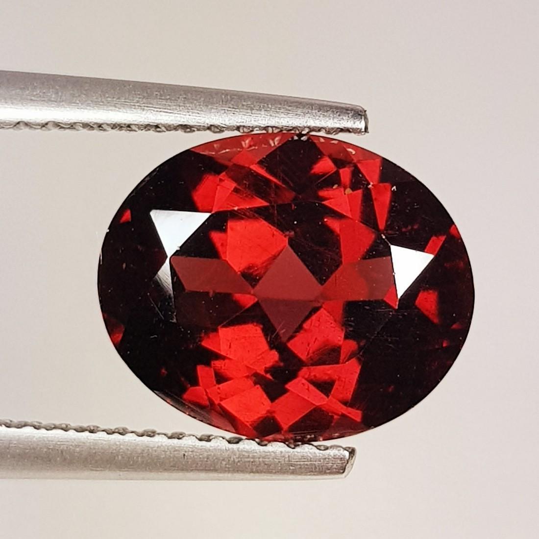 Natural Rhodolite Garnet Oval Cut 4.80 ct