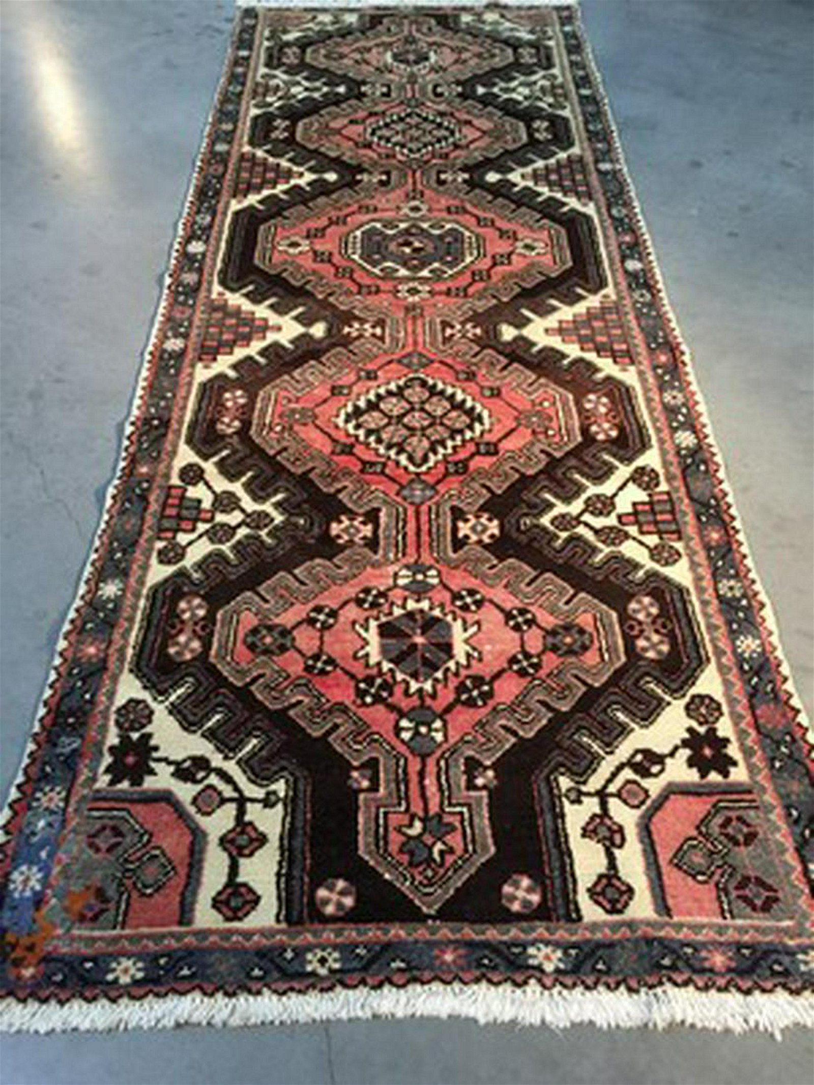 """AUTHENTIC VINTAGE PERSIAN RUNNER 3'4""""x9'8"""""""