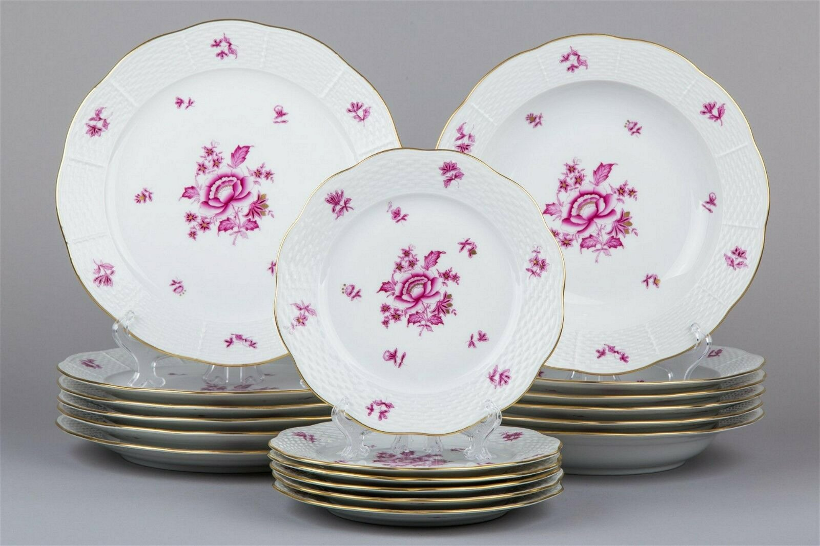 Herend Nanking Bouquet Raspberry Plate Set for Six