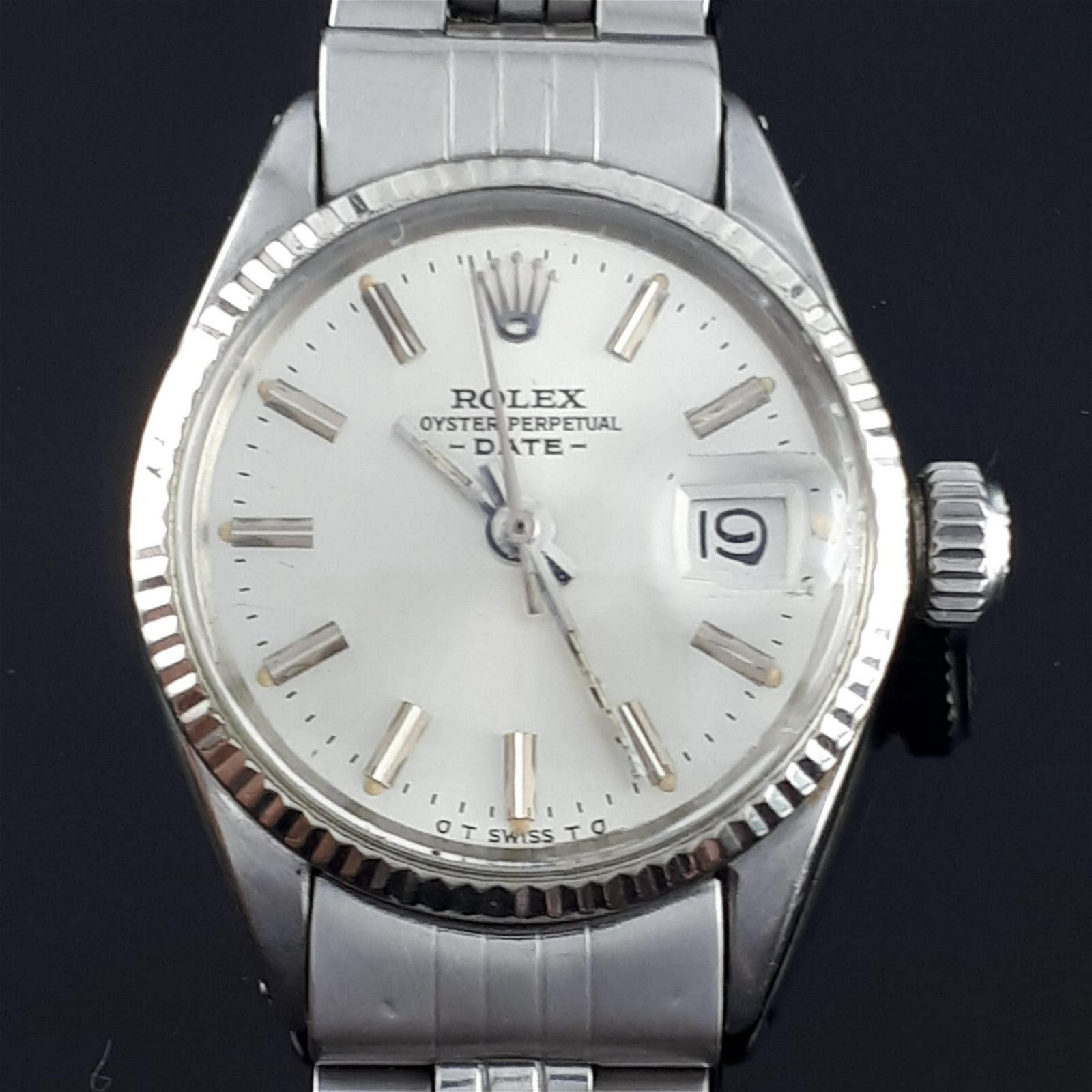 Rolex - Oyster Perpetual Date - 6517 - Women -