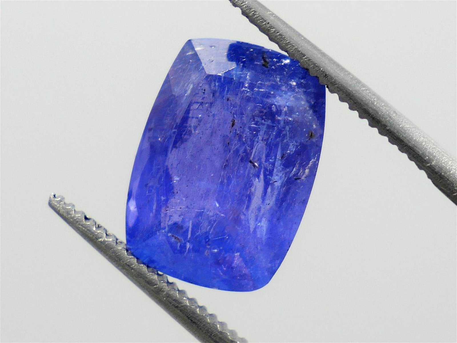 Tanzanite 5.25 ct Very Rare Certified IGI