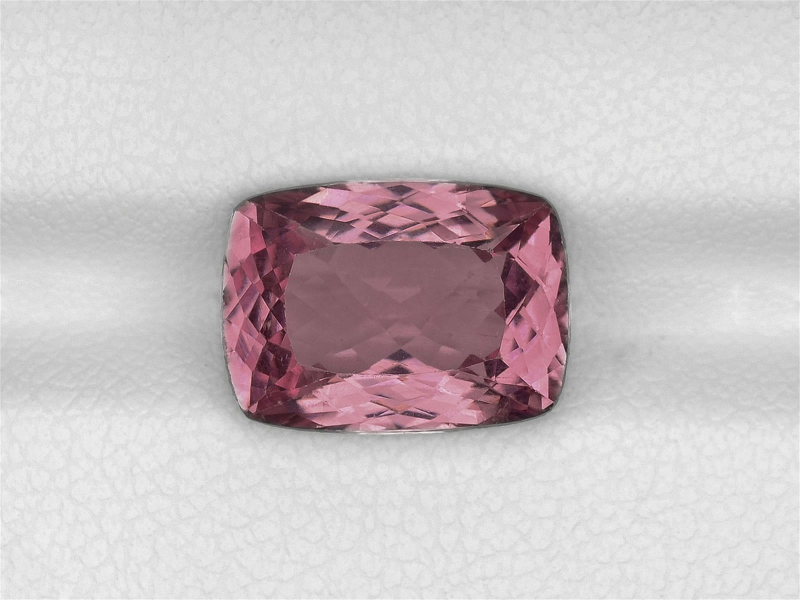 Spinel, 5.19ct, Mined in Sri Lanka, Certified by IGI