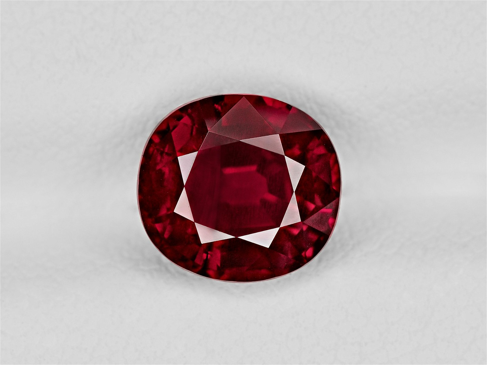 Ruby, 3.08ct, Mined in Mozambique, Certified by GRS