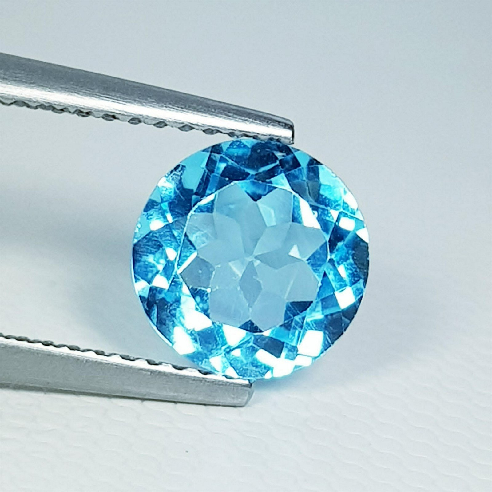 Natural Blue Topaz Round Cut 2.15 ct