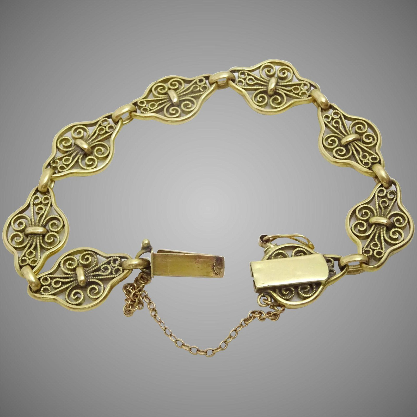 Vintage 18 karat Gold French Filigree Bracelet