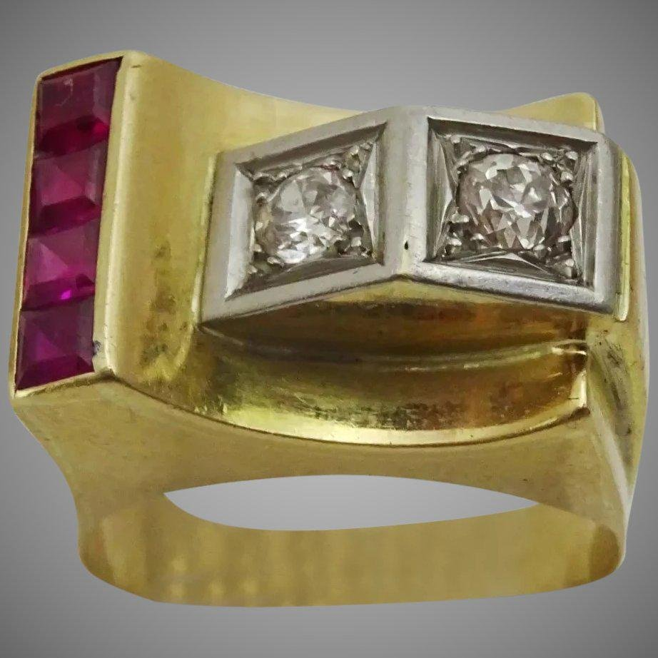 Vintage late Art Deco Cocktail Ring , set with Rubies
