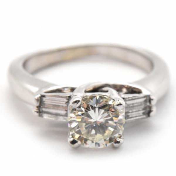 14k White Gold And 1.07ct Round Diamond Ring With