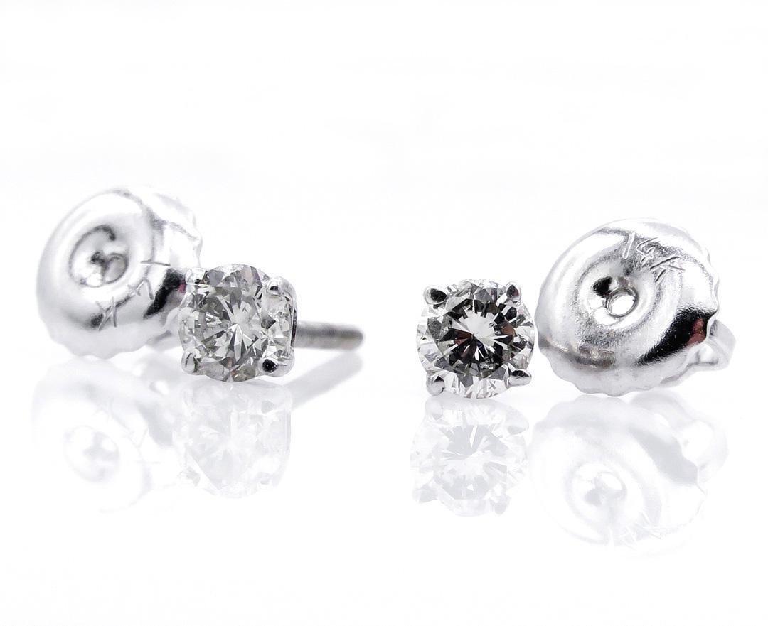 Classic 0.21ct Round Diamond Stud-Earrings 4 prongs 14k