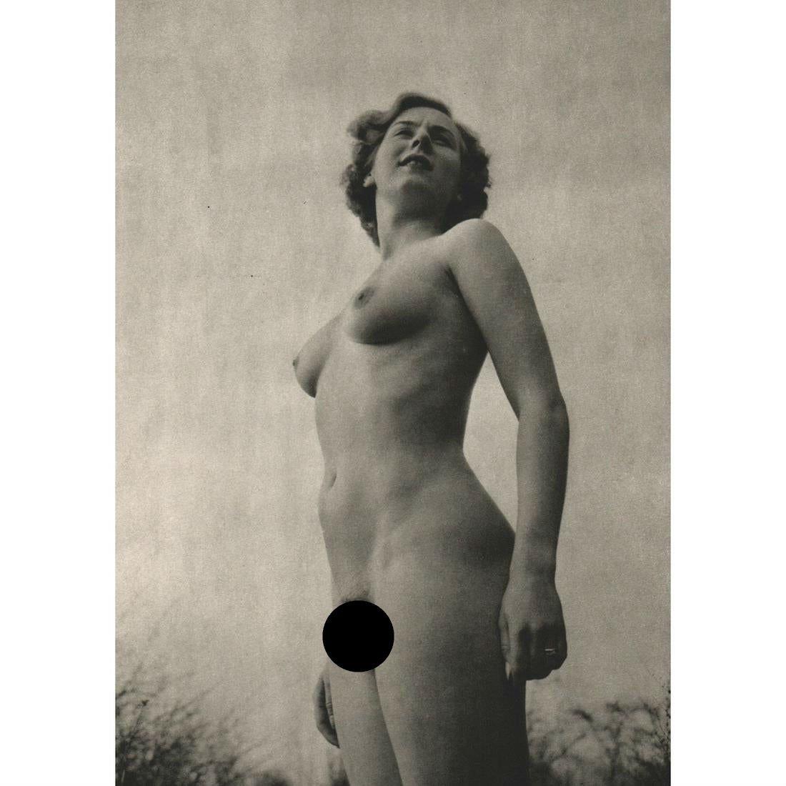 COLIN R. CLARK - Nude