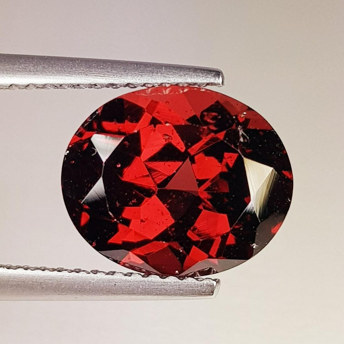 5.10 ct Natural Rhodolite Garnet Oval Cut