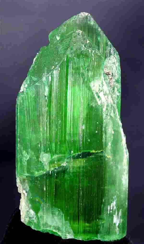 351 Gram V-Shape Terminated & Undamaged Lush Green Gem