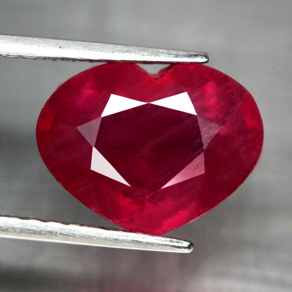 5.85 ct natural blood red ruby heart