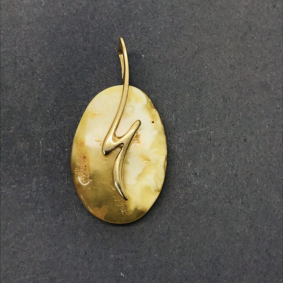 Pendant gold plated silver and Baltic amber