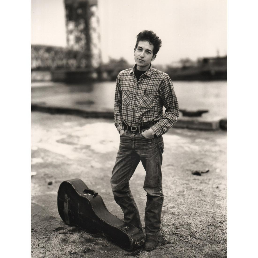 RICHARD AVEDON - Bob Dylan, NY 1963