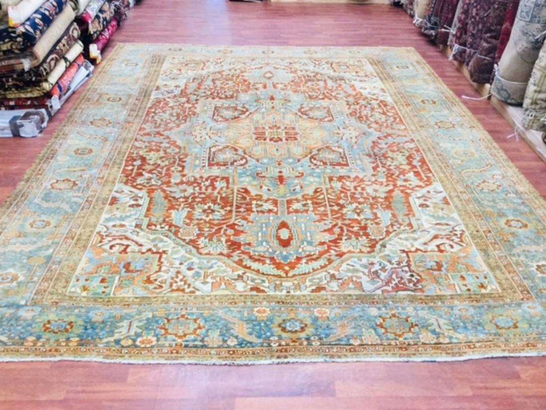 Colorful antique Persian Heriz/Serapi Rug