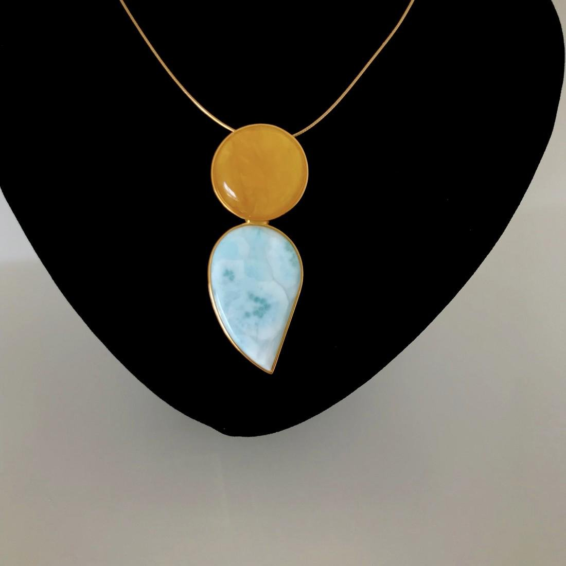 Pendant Baltic amber & Larimar in gilded silver