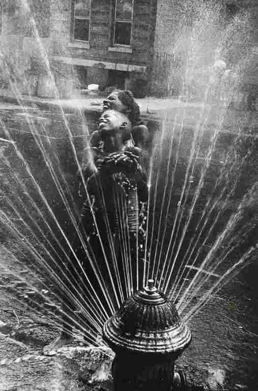 LEONARD FREED - New York City, Harlem, 1963