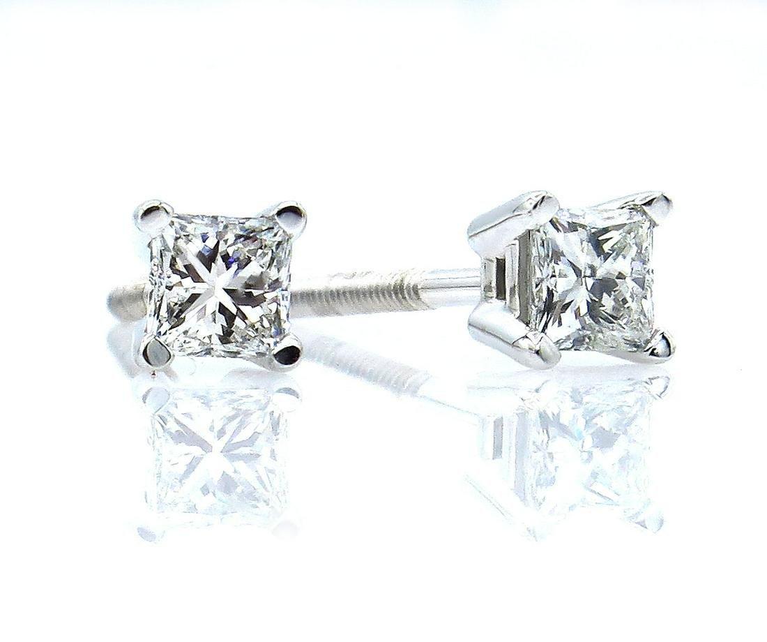 Classic 0.38CT Princess Cut Diamond Stud-Earrings 4