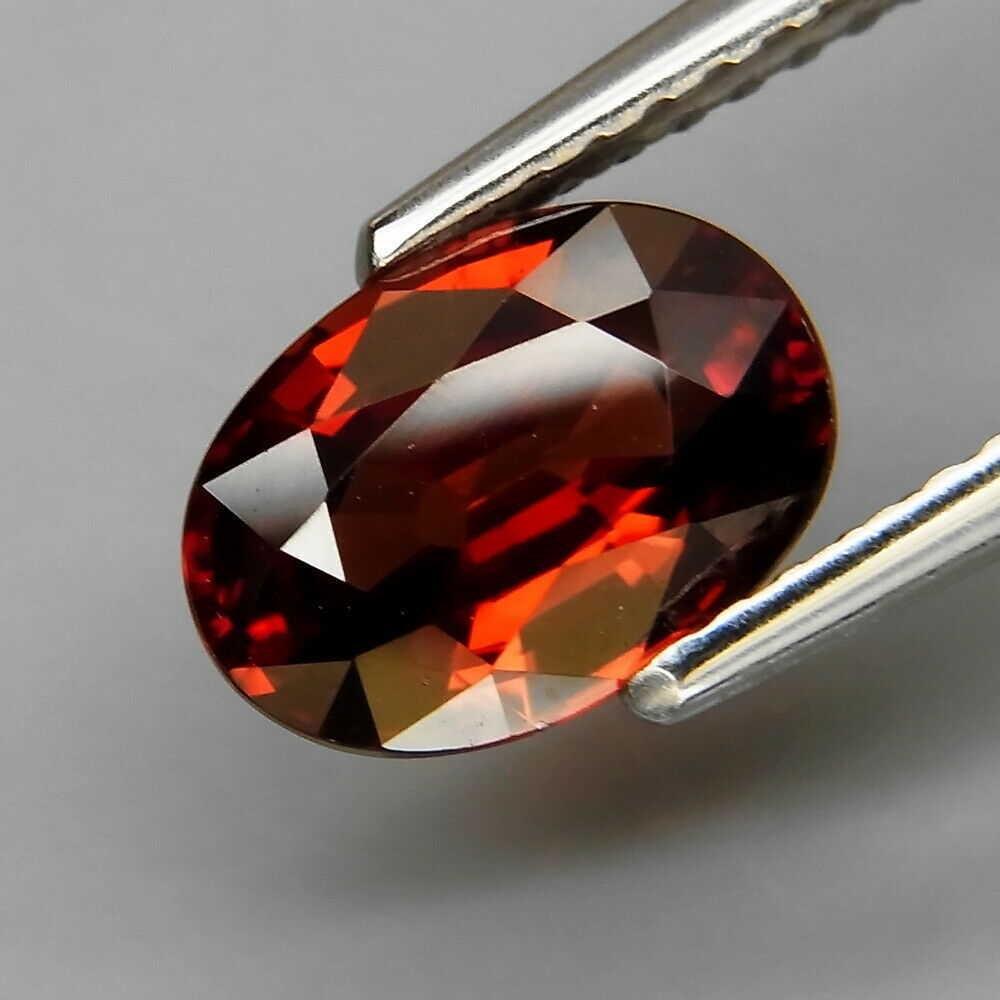 Rare Color! Natural Red Zircon 1,78 ct