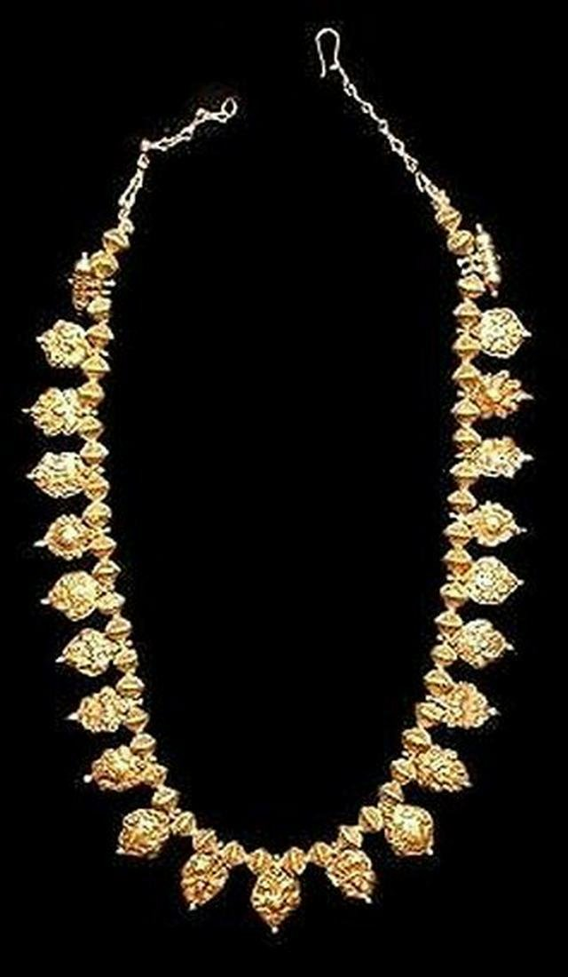 India saag dowry necklace