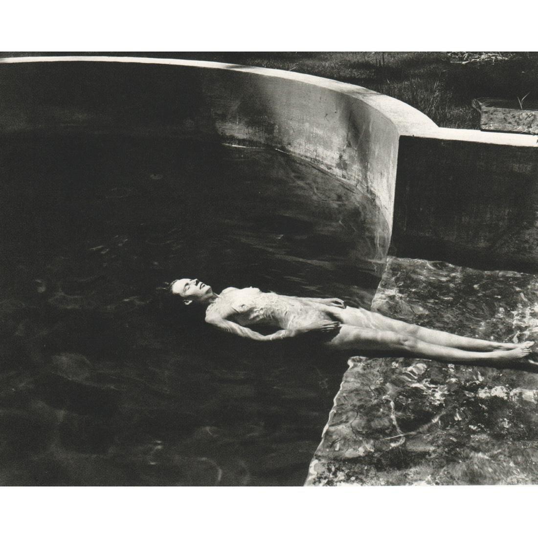 EDWARD WESTON - Nude Floating, 1939