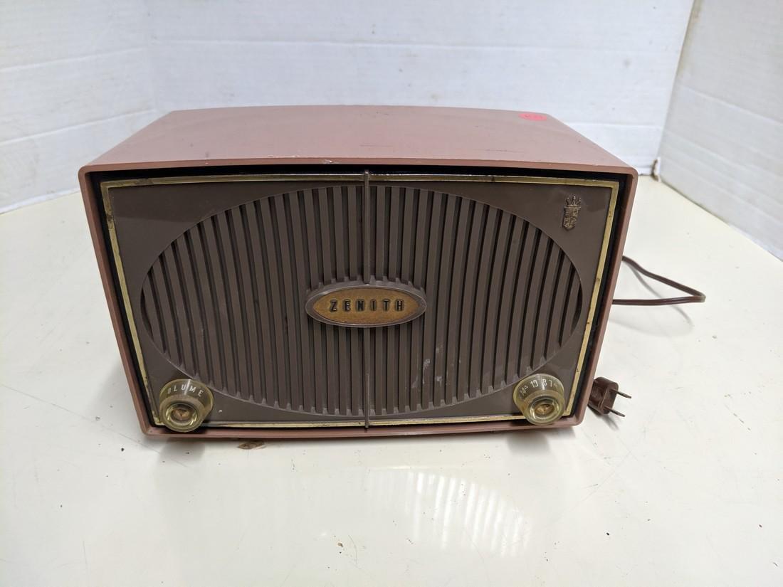 Vintage Zenith Tube Radio