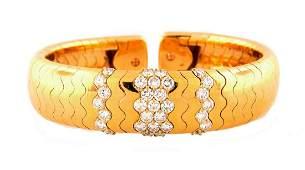 1990s CARTIER 2.20 cts DIAMOND YELLOW GOLD BANGLE