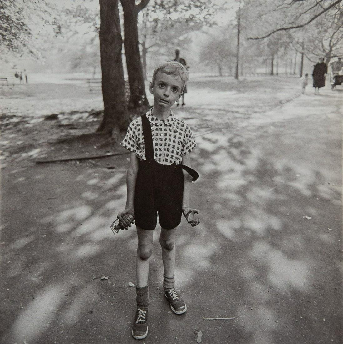 DIANE ARBUS - Child With Toy Hand Grenade