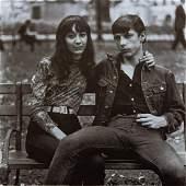 DIANE ARBUS - Young Couple on Bench, Washington Square
