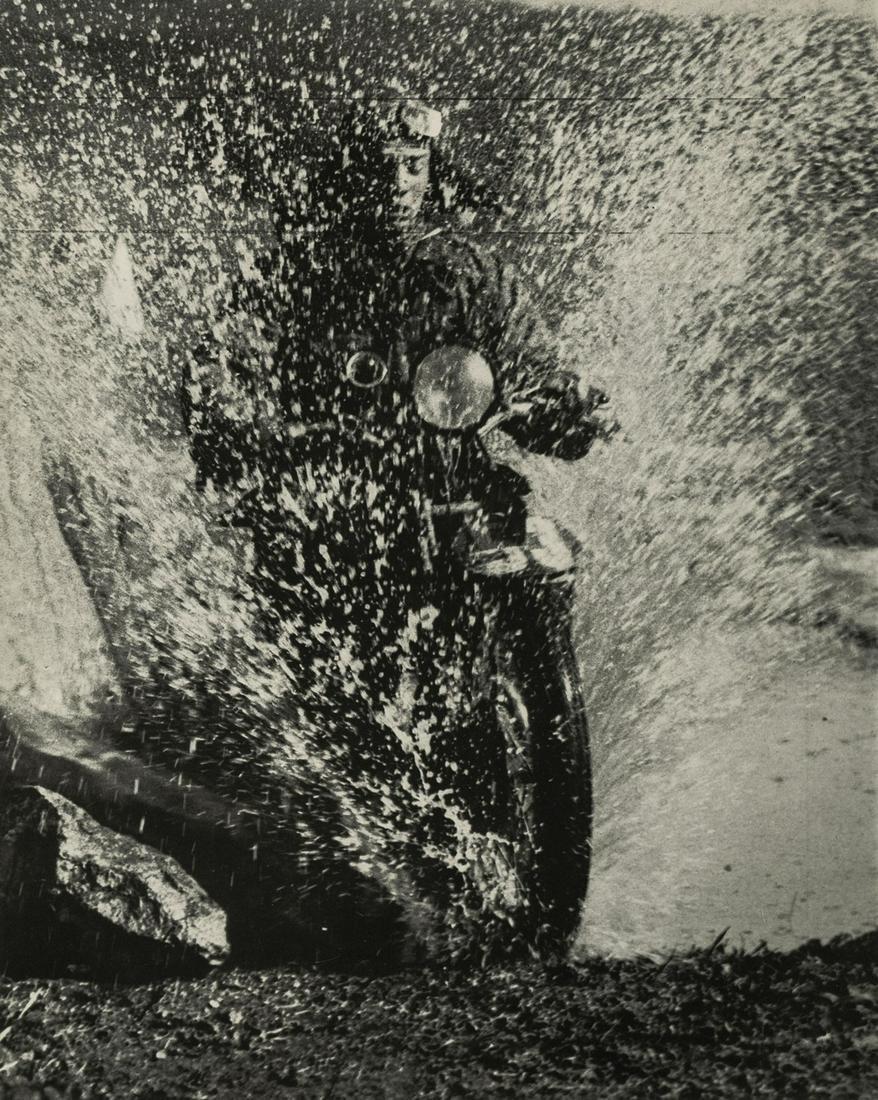 MARTIN MUNKACSI - Motorcycle, Budapest, 1923