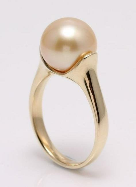 14 kt. Yellow Gold - 10x11mm Golden South Sea Pearl -