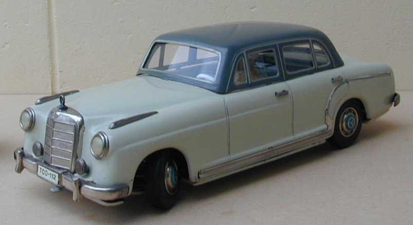 Tippco (made in Germany) Mercedes 220s, friction, c9. 5
