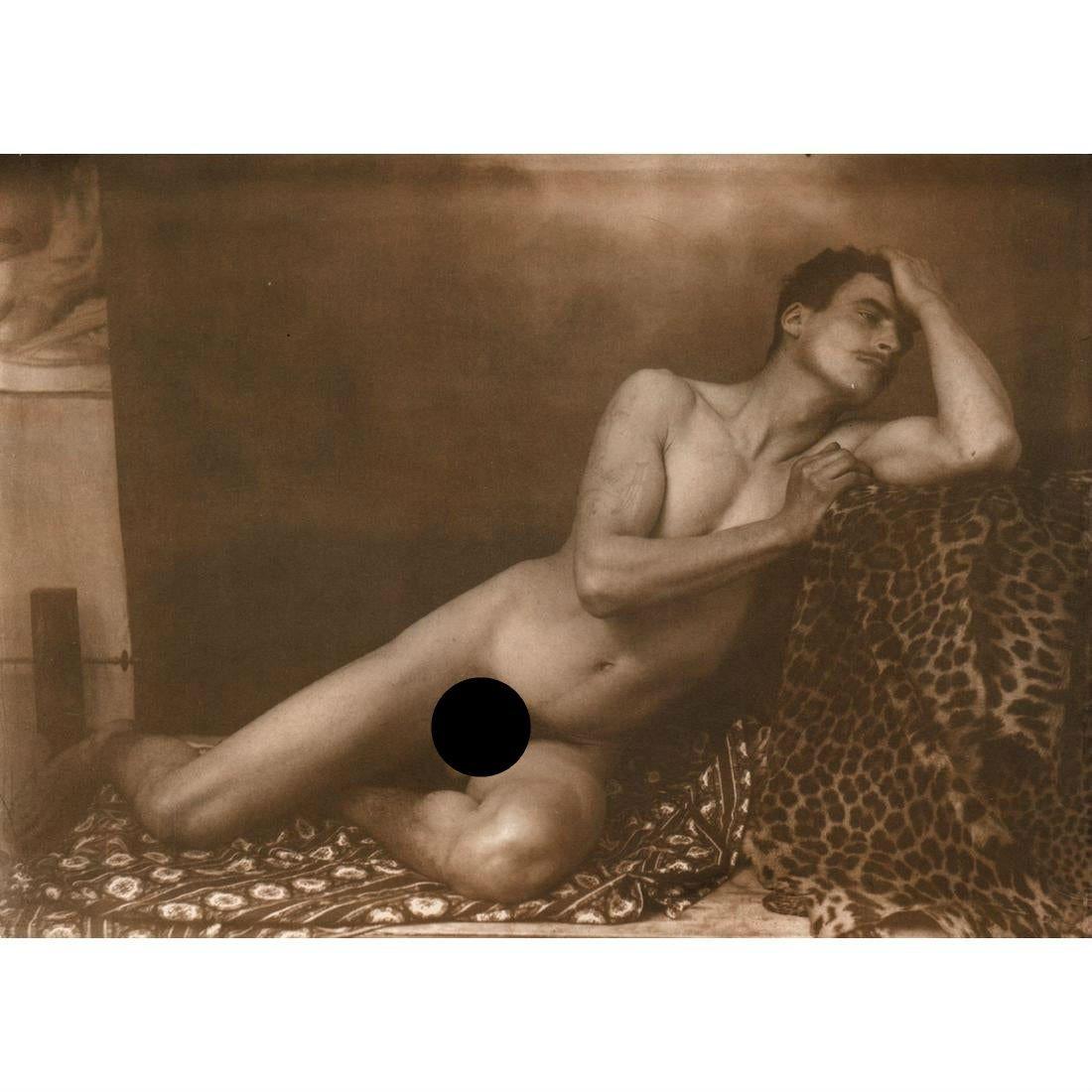 WILHELM VON GLOEDEN - Untitled, Male nude