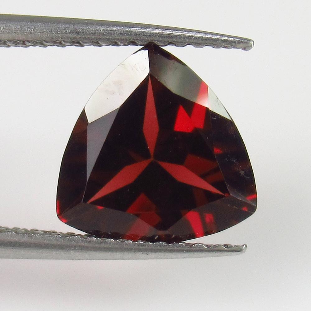 2.67 Ct Natural Rhodolite Garnet Trillion Cut