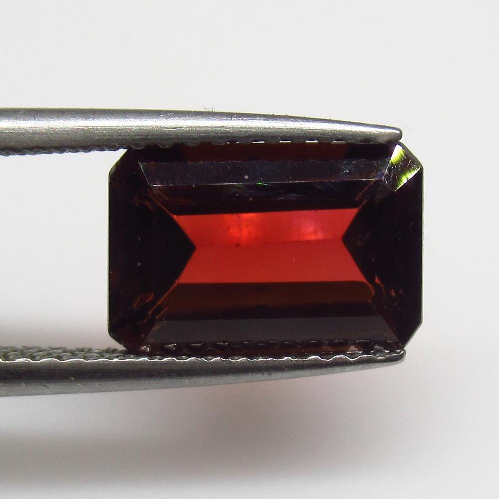 3.28 Ct Natural Rhodolite Garnet Octagon Cut
