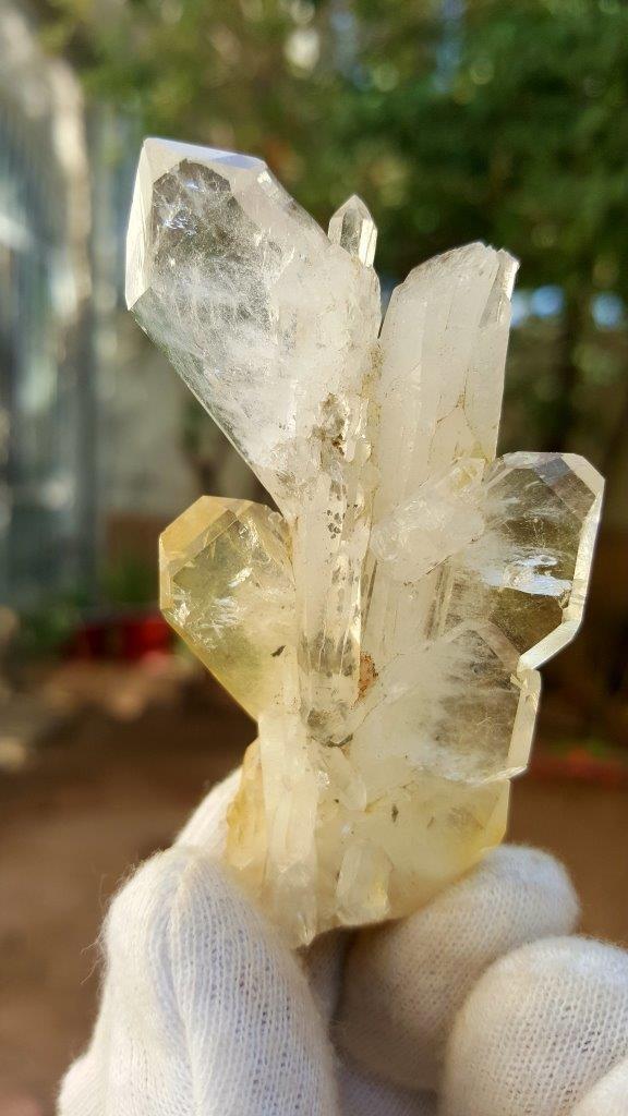 36 Grams Undamaged Fedan Quartz Crystal 72X42X20.5 mm